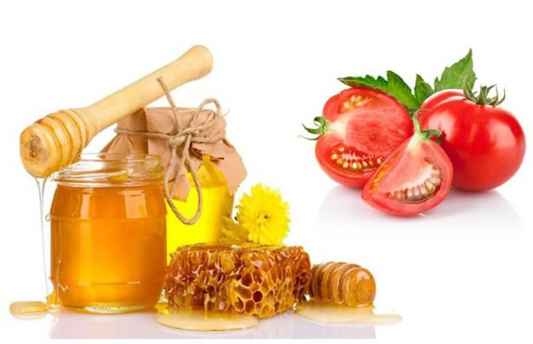 Phương pháp trị mụn bằng cà chua và mật ong