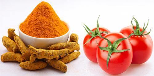 Phương pháp trị mụn bằng cà chua và tinh bột nghệ