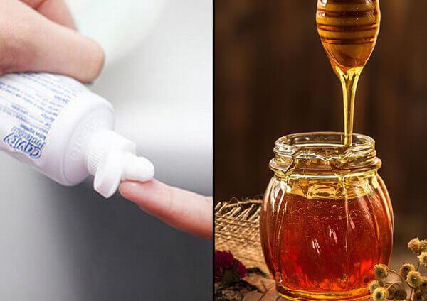 Cách dùng kem đánh răng kết hợp mật ong