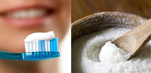 Cách dùng kem đánh răng kết hợp với muối