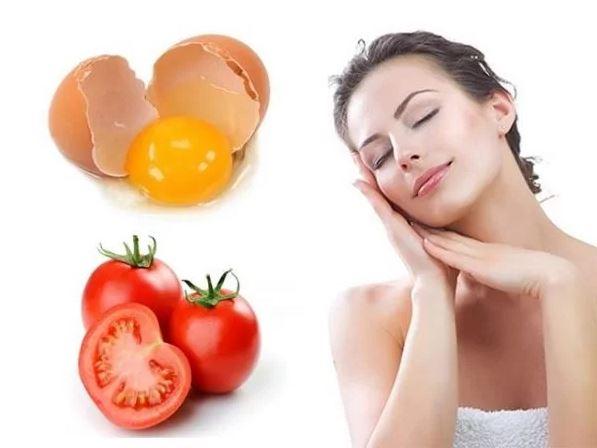 Sử dụng cà chua và lòng trắng trứng gà trị mụn cám