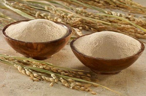 Lưu ý khi trị mụn bằng cám gạo và sữa chua