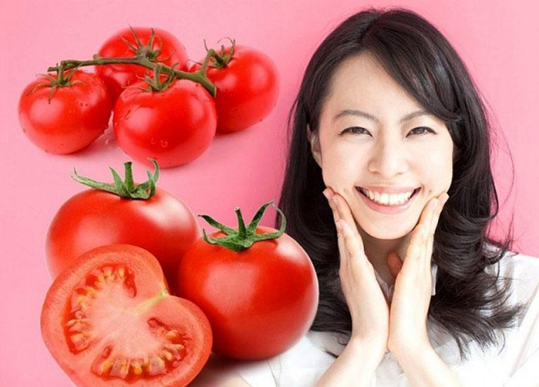 Mặt nạ cà chua trị mụn đầu đen thường có kết hợp thêm trà xanh hoặc đất sét