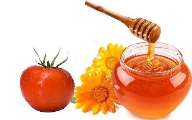 Mật ong cà chua trị mụn cám
