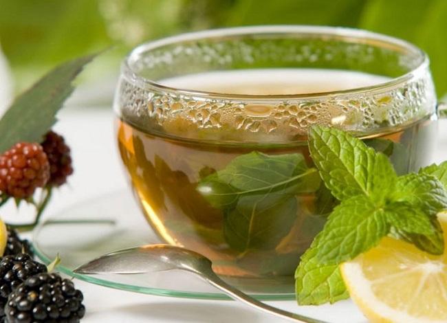 Uống trà lá tía tô trị mụn hiệu quả