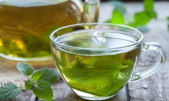 Uống trà tía tô trị mụn hiệu quả